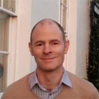 פוליטיקאי אוסיאן Smyth באירלנד חובק Bitcoin